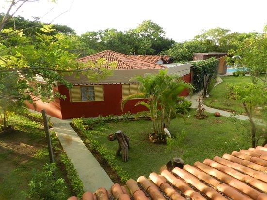 Caminho das Cachoeiras: Prédio principal da recepção e café.