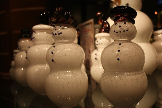 Corning Museum of Glass: Snowmen - in the gift shop!