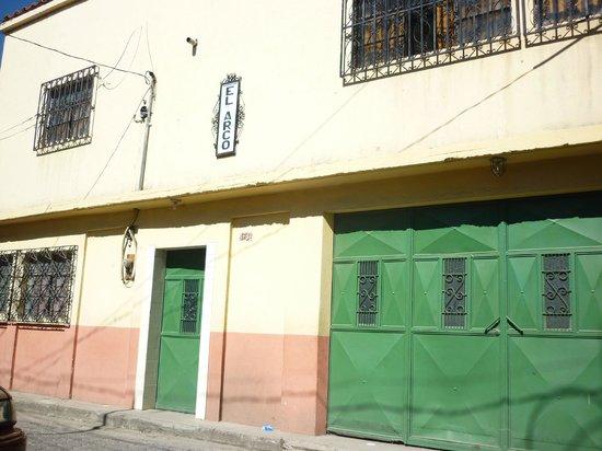 Posada El Arco : front of hotel