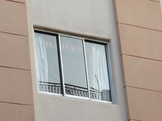 Pacific Hotel: The fake window you can't open
