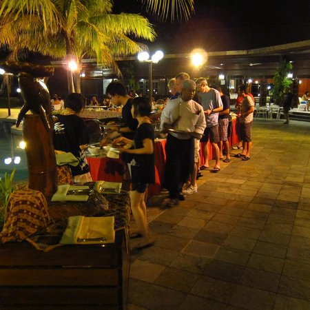 Avillion Layang Layang: BBQ dinner with limited selection