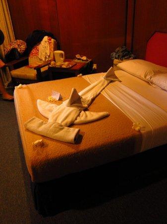 Avillion Layang Layang: Hammerhead towel