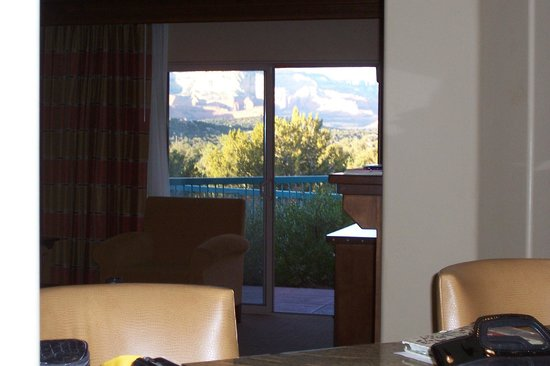 Sedona Summit Resort: livingroom with a view