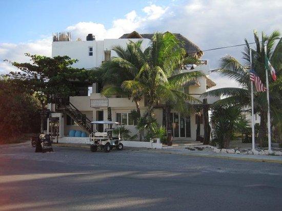 Casa Ixchel: hotel front