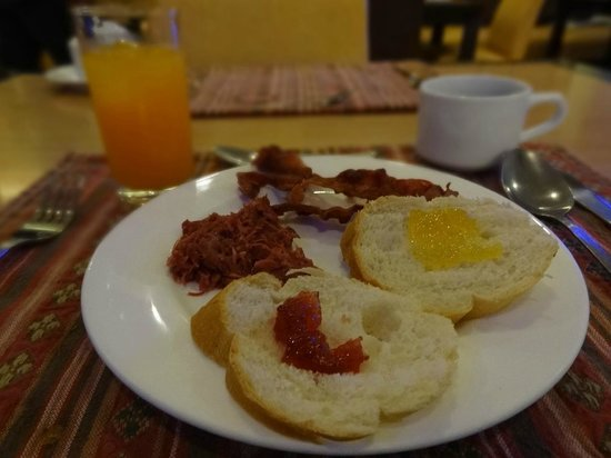 Rajah Park Hotel: TYPICAL BREAKFAST BUFFET SERVED
