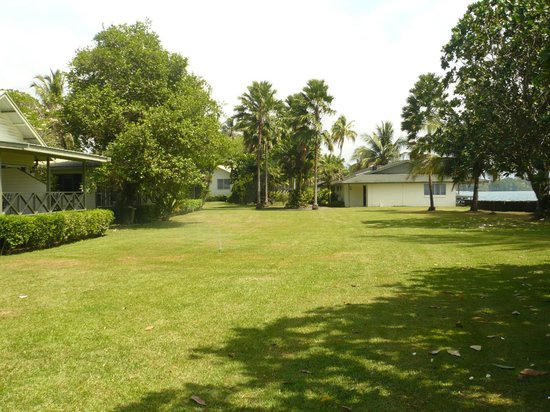 Madang Resort Hotel: Open space next to our rooms