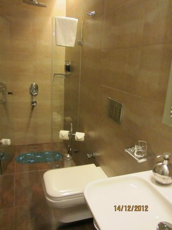 Galateia Residence: 2nd Bathroom