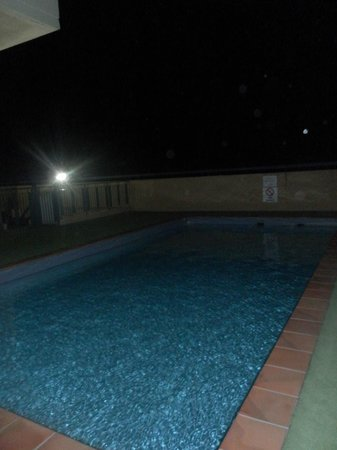 Park Regis City Centre: Roof Top Swimming Pool