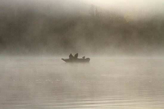 Hungry Jack Lodge & Campground: Early morning fishermen