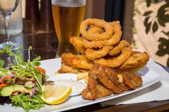 mumm's on the myall: Fishermans Basket