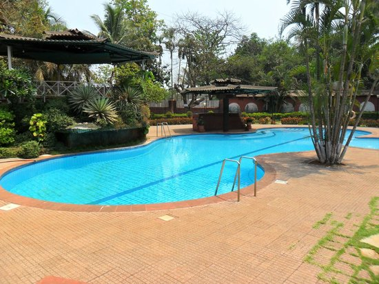 Pagoda Retreat : Lagoon Pool
