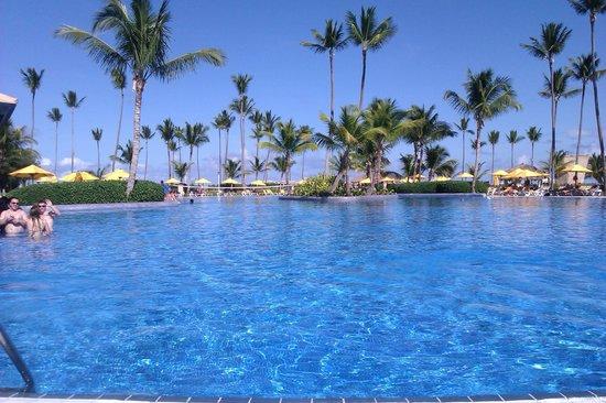 Ocean Blue & Sand : La plus grande des 2 piscines