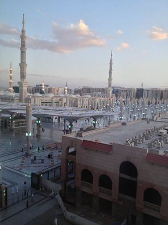 Anwar Al Madinah Movenpick Hotel : view from the room.