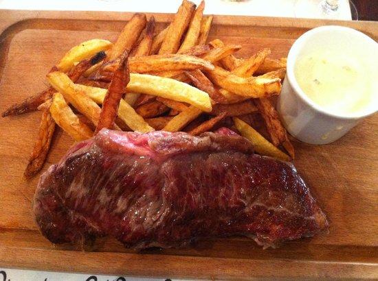 La Petit Perigourdin: Steak and chips