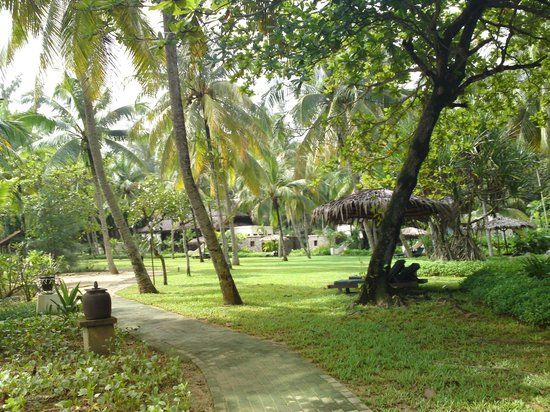Tanjong Jara Resort: Garden area