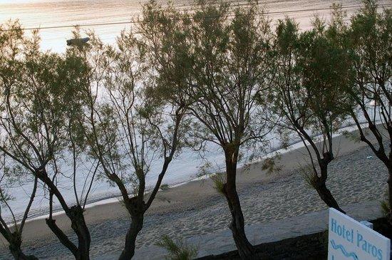Ξενοδοχείο Πάρος: On the beach