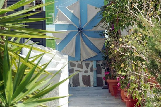 Hotel Paros: Garden views