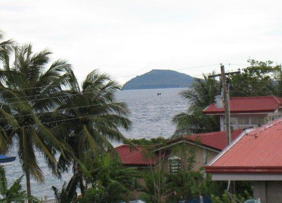 Sogod Bay Scuba Resort : Limasawa Island from the terrace