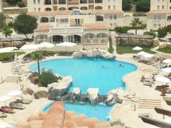 St. Nicolas Elegant Residence: Restaurant by the Pool