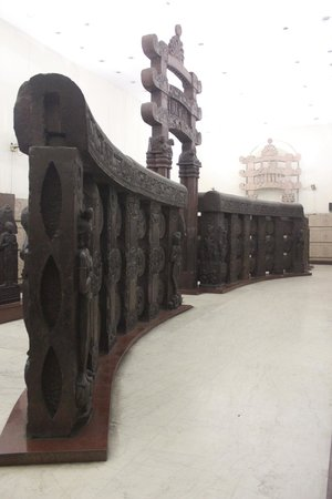Indian Museum (Jadu Ghar): Bharhut Stupa Sculptured Railings.