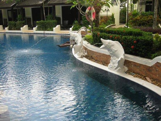 Access Resort & Villas: pool 