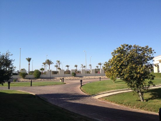 Maritim Jolie Ville Royal Peninsula Hotel & Resort: grounds