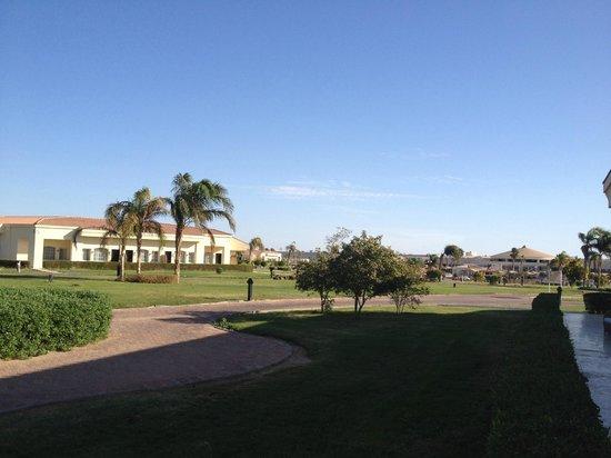 Maritim Jolie Ville Royal Peninsula Hotel & Resort: outside room