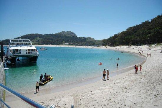 Barco Islas Cíes - Cruceros Rias Baixas: Punto de embarque / desembarque en las Islas Cíes