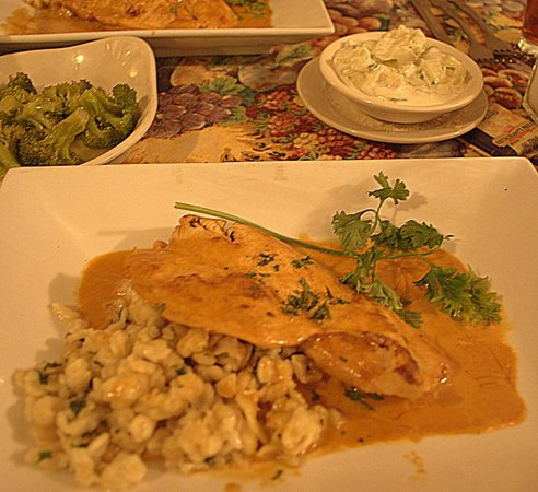 Stony Run Inn: Tender and perfectly seasoned Chicken Paprikash