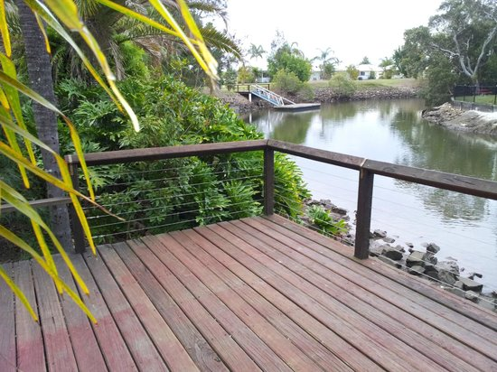 Treasure Island Resort & Holiday Park: Riverside Deck