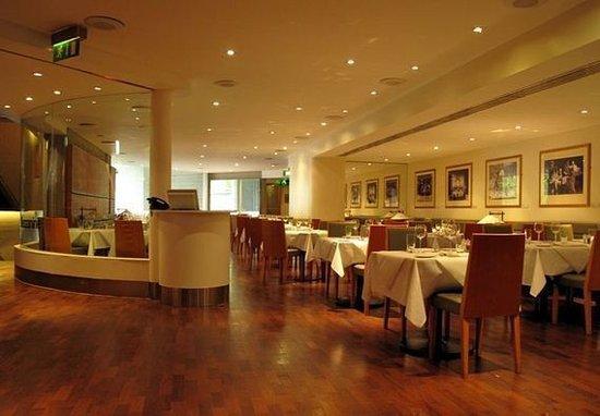 The Mezzanine Restaurant: The restaurant