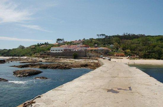 Barco Isla de Ons - Cruceros Rias Baixas: Puerto de embarque y desembarque en la Isla de Ons