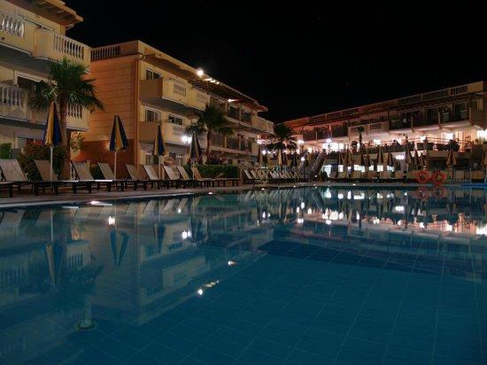 Zante Maris Hotel: poolside