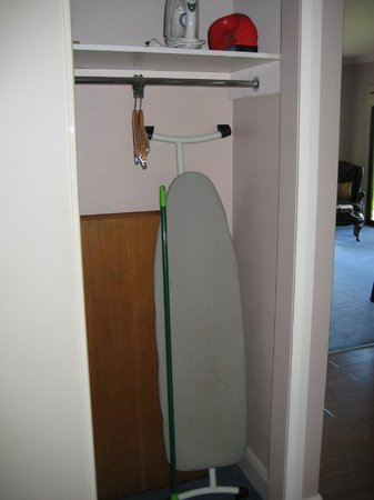 Birches Luxury Spa Chalets: Ironing Cupboard