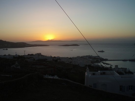 A Hotel  Mykonos: View from the road (500yds from hotel)