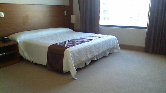 Weston Suites Hotel: Spacious room