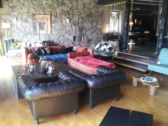 Penon Del Lago Lodge & Resort: Recepción y lobby del hotel