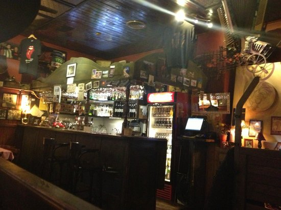 Budapest Best Apartments: from the pub at the ground floor