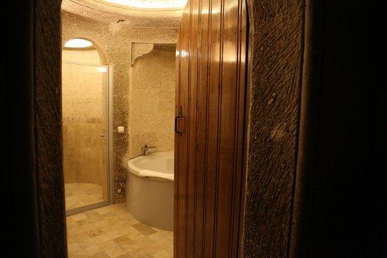 Safran Cave Hotel: banyo