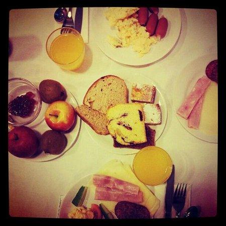 Hotel Leon D'Oro: Breakfast