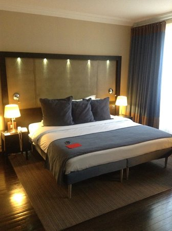 Hotel Elysees Regencia Paris: lit