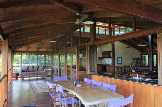 Cape Tribulation Sanctuary : porch and dining