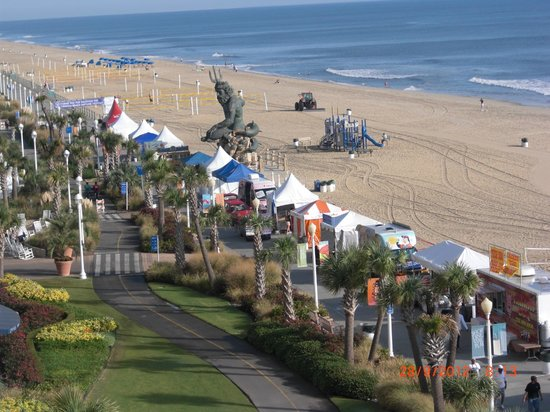 The Oceanfront Inn: Neptune statue and tents
