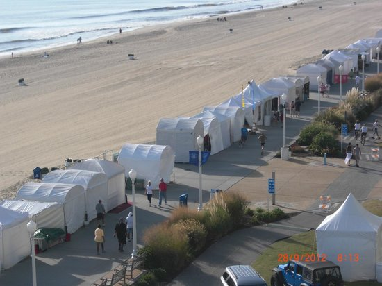 The Oceanfront Inn: Neptune art tents