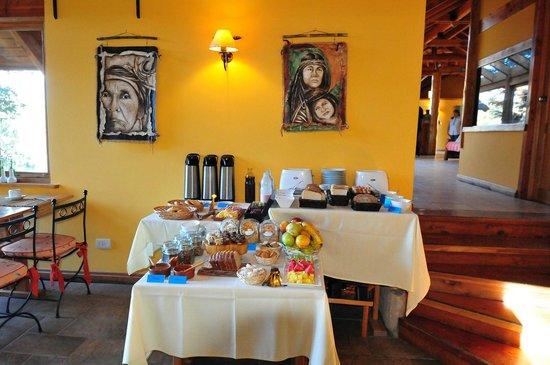 Peninsula Petit Hotel: Breakfast