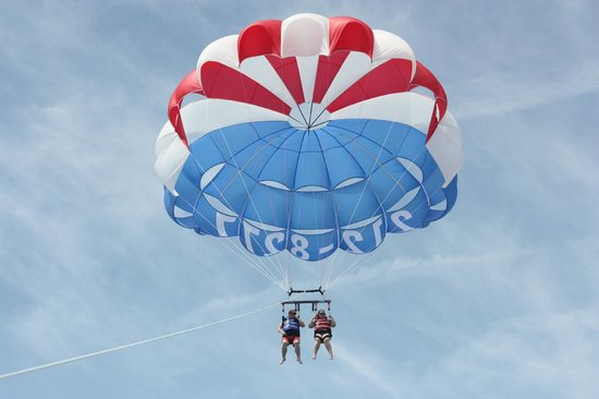 Cocoa Beach Parasail : Airborn close up