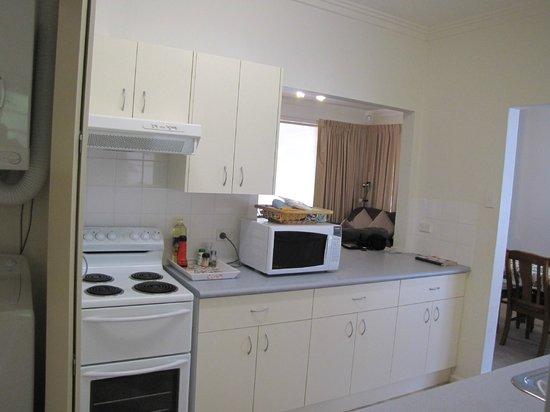 Echo Point Village: Well-equipped Kitchen