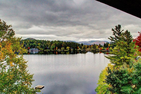 Golden Arrow Lakeside Resort: Mirror Lake - view from our balcony