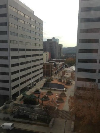Crowne Plaza Knoxville Downtown University: 11th Floor View of Market Square