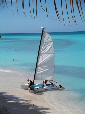 Cocobay Resort: Watersports on the beach